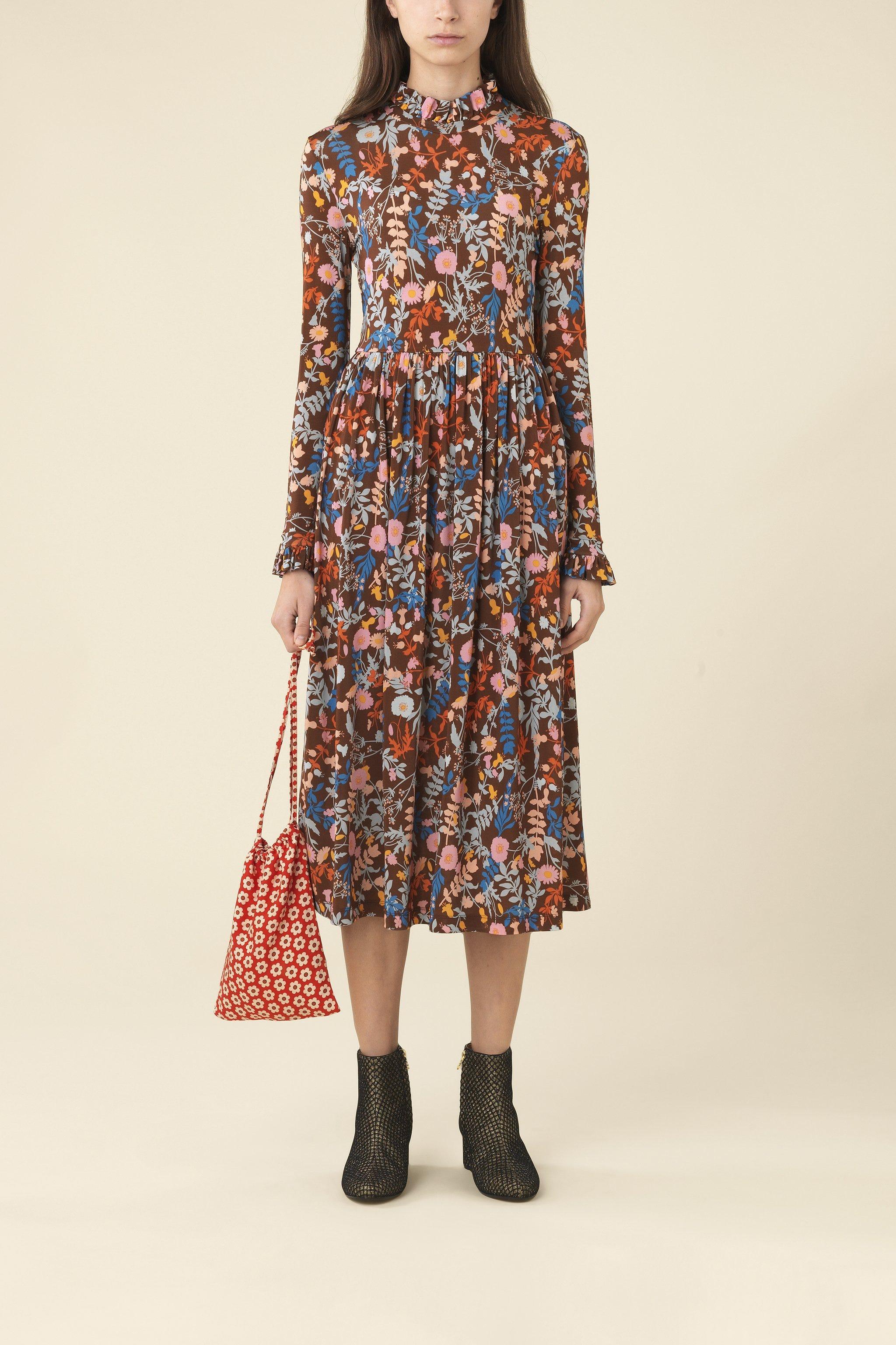 7813682cca9 Summer Fashion Trends 2019 Tie Dye To Florals