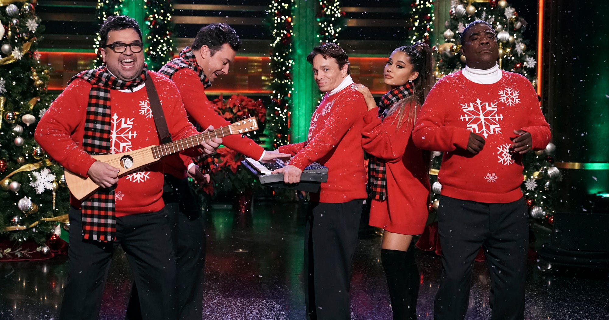 Ariana Grande Jimmy Fallon Recreate Christmas SNL Skit