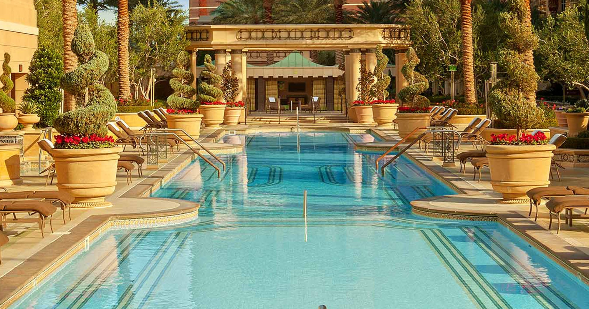 The 7 Most Gorgeous Pools Las Vegas Has To Offer