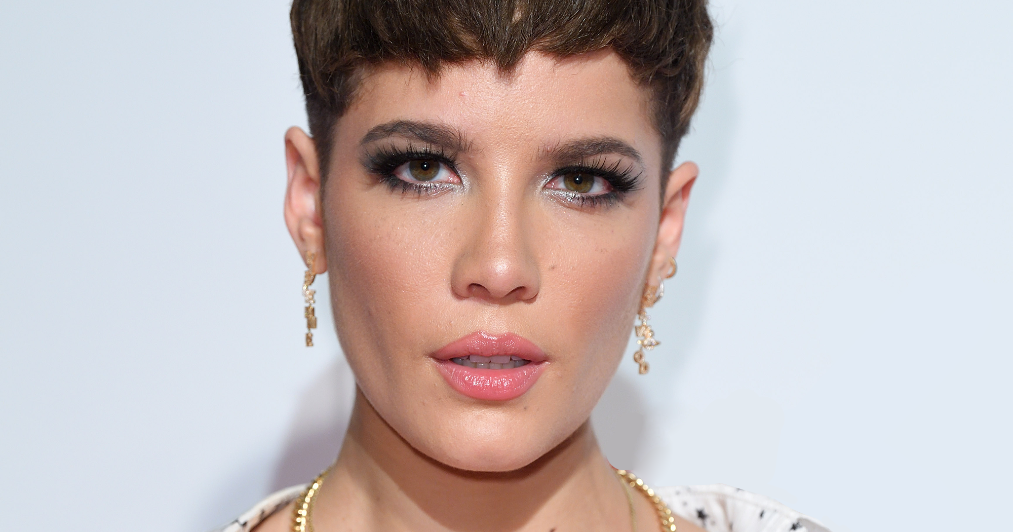 Halsey Eyebrows: Halsey Adds Shocking New Marilyn Manson Ribcage Tattoo