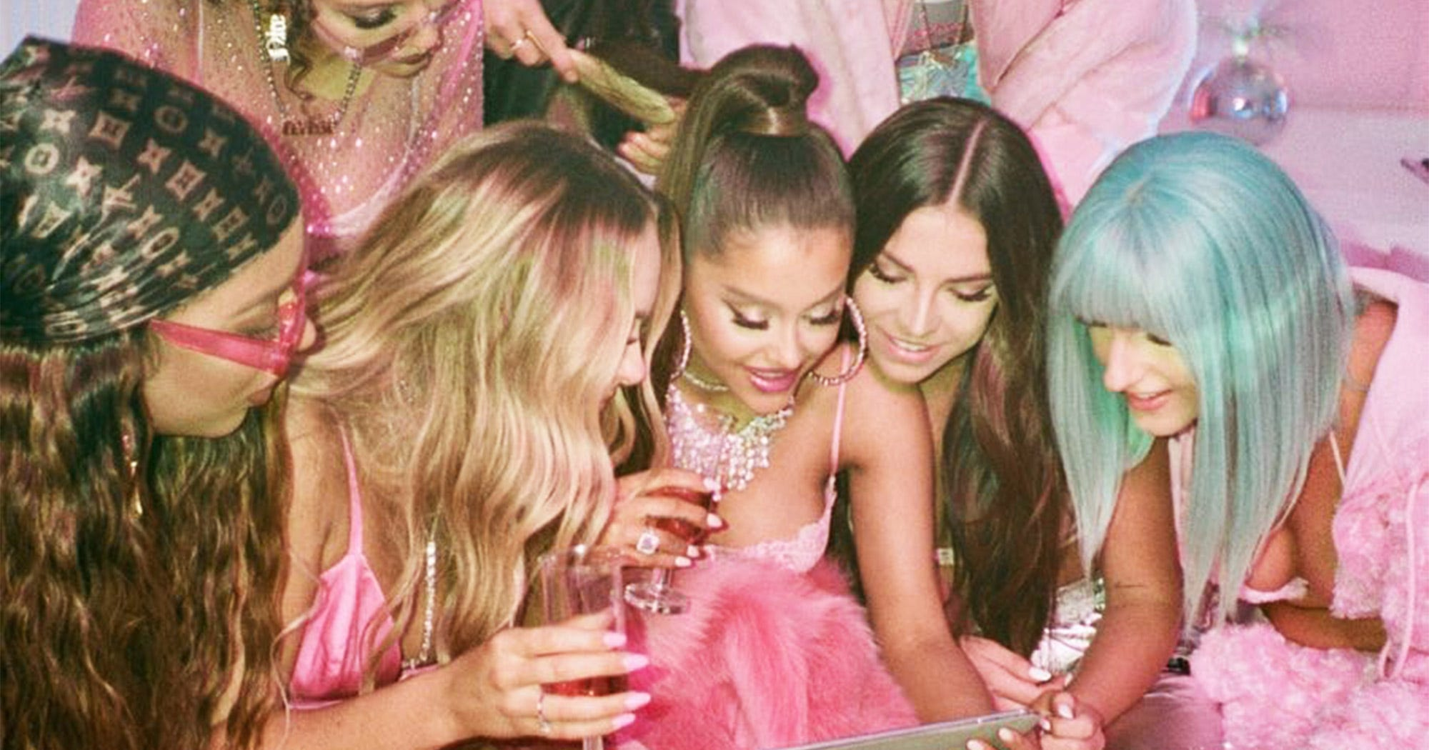 Who Are The Girls In 7 Ariana Grande 7 Rings Video