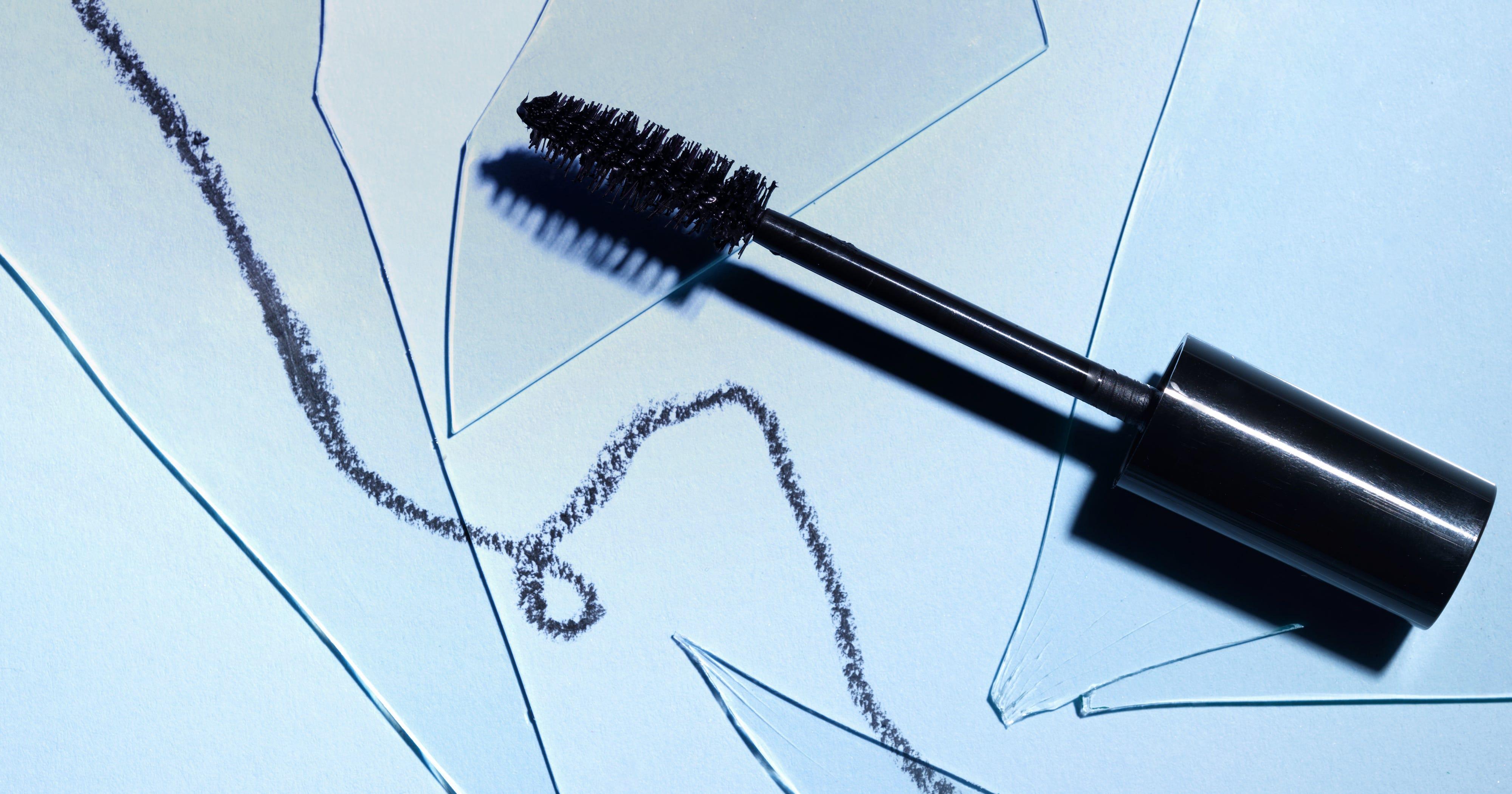 mascara die sich selbst f r empfindliche augen eignet. Black Bedroom Furniture Sets. Home Design Ideas
