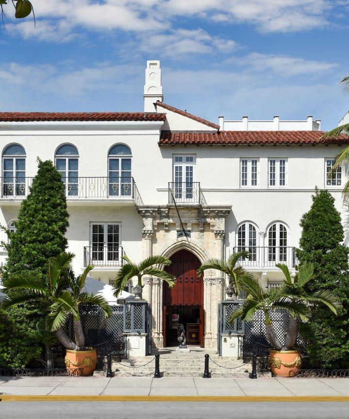 Gianni versace miami beach mansion villa casa casuarina for Versace mansion miami tour