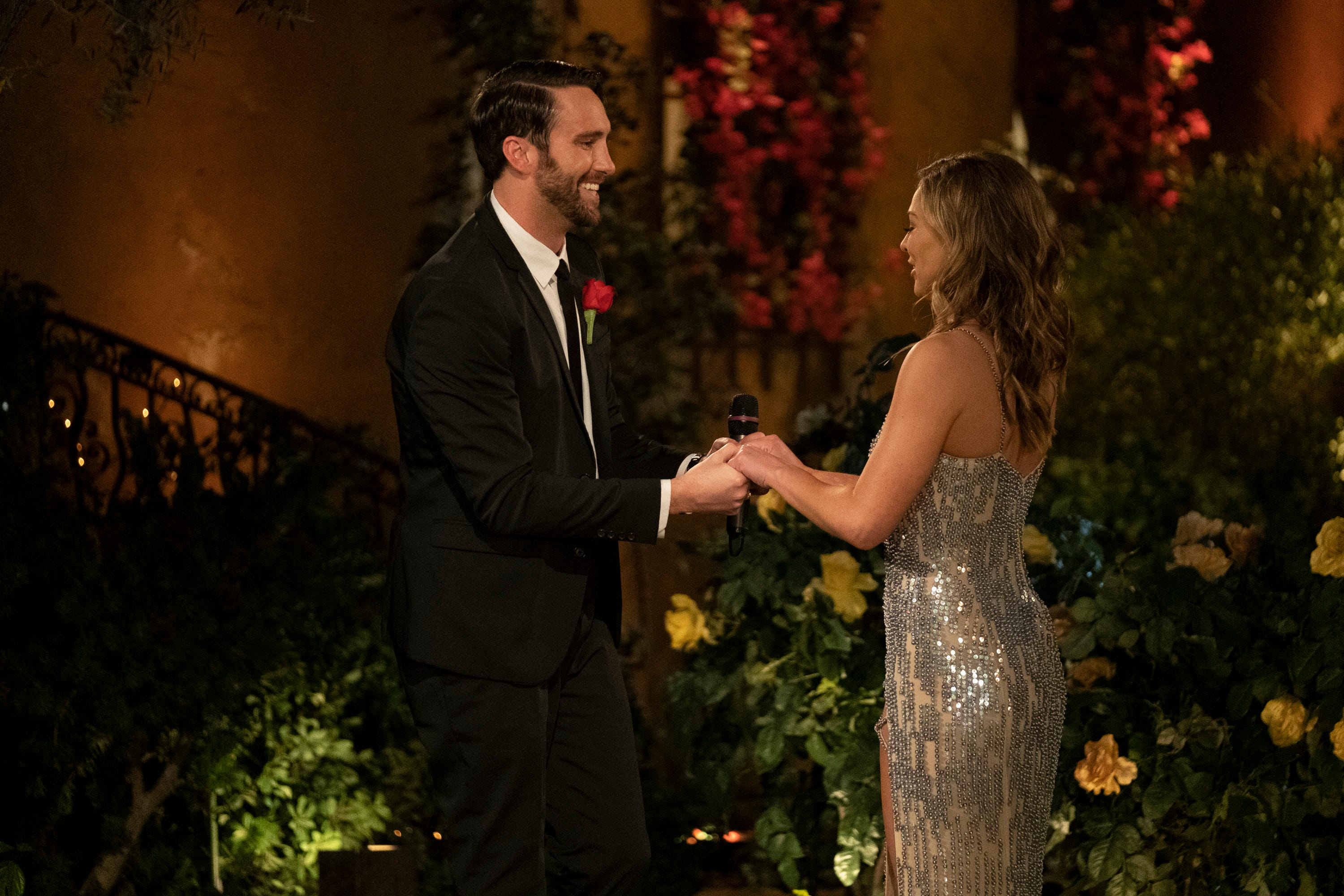 Bachelorette Episode 3 Recap - Cam Shoots His Shot