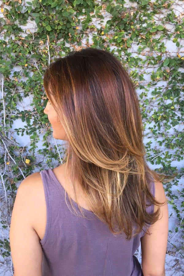 Hellbraune haare mit blonden spitzen