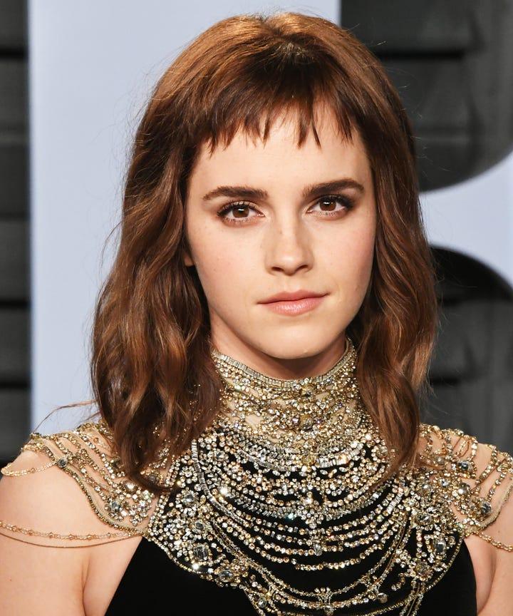 Emma Watson Always Wears These Beauty Trends
