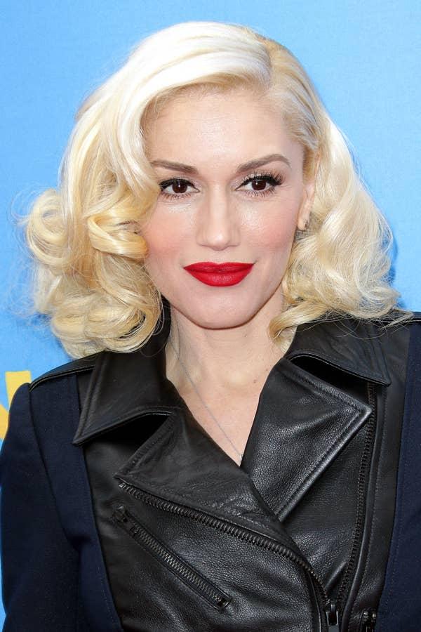 Haare schwarze augenbrauen blonde Blonde haare,