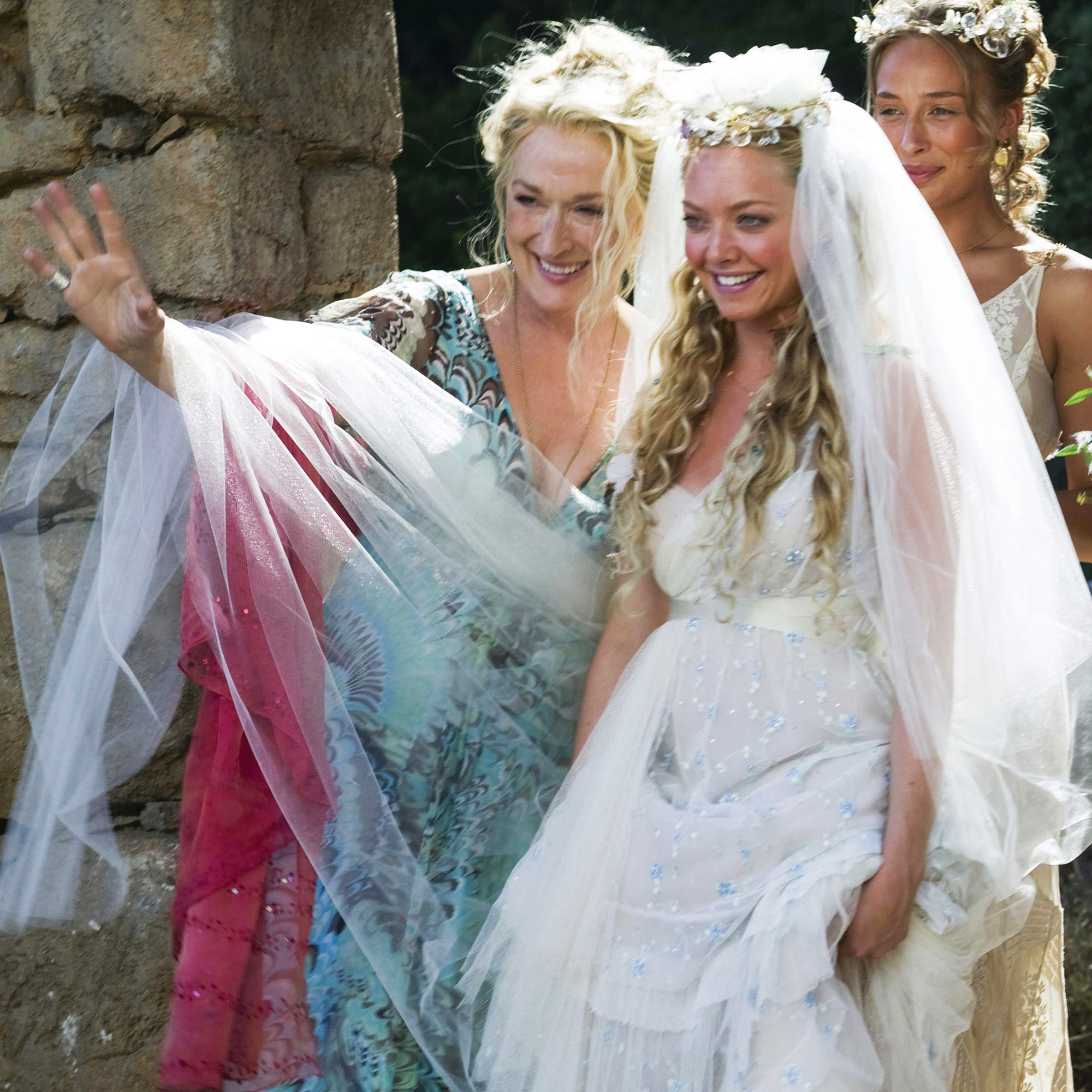 Amanda Seyfried Instagram Mamma Mia 2 Instgrams BHTS
