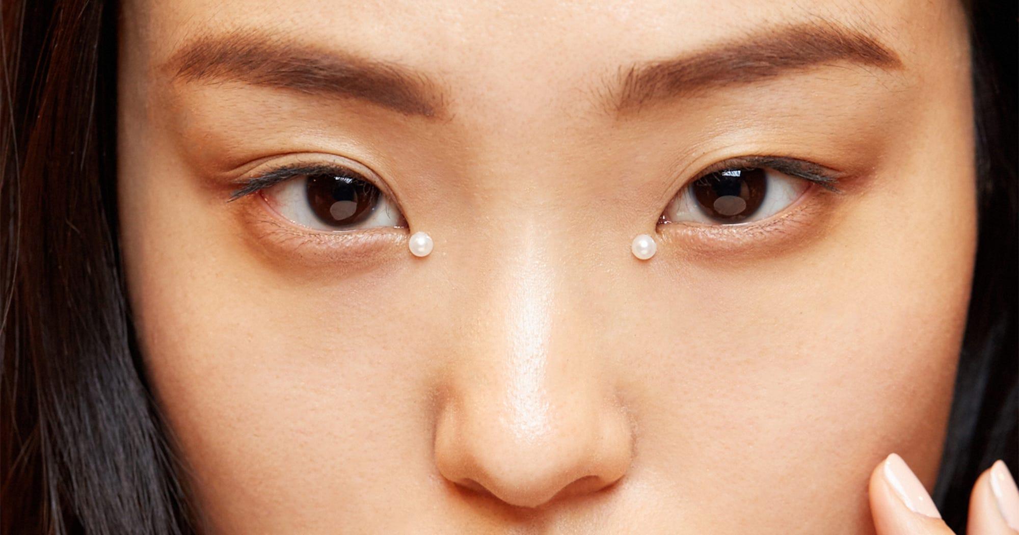 Fashion Week Beauty Looks Pink Makeup Smoky Eye