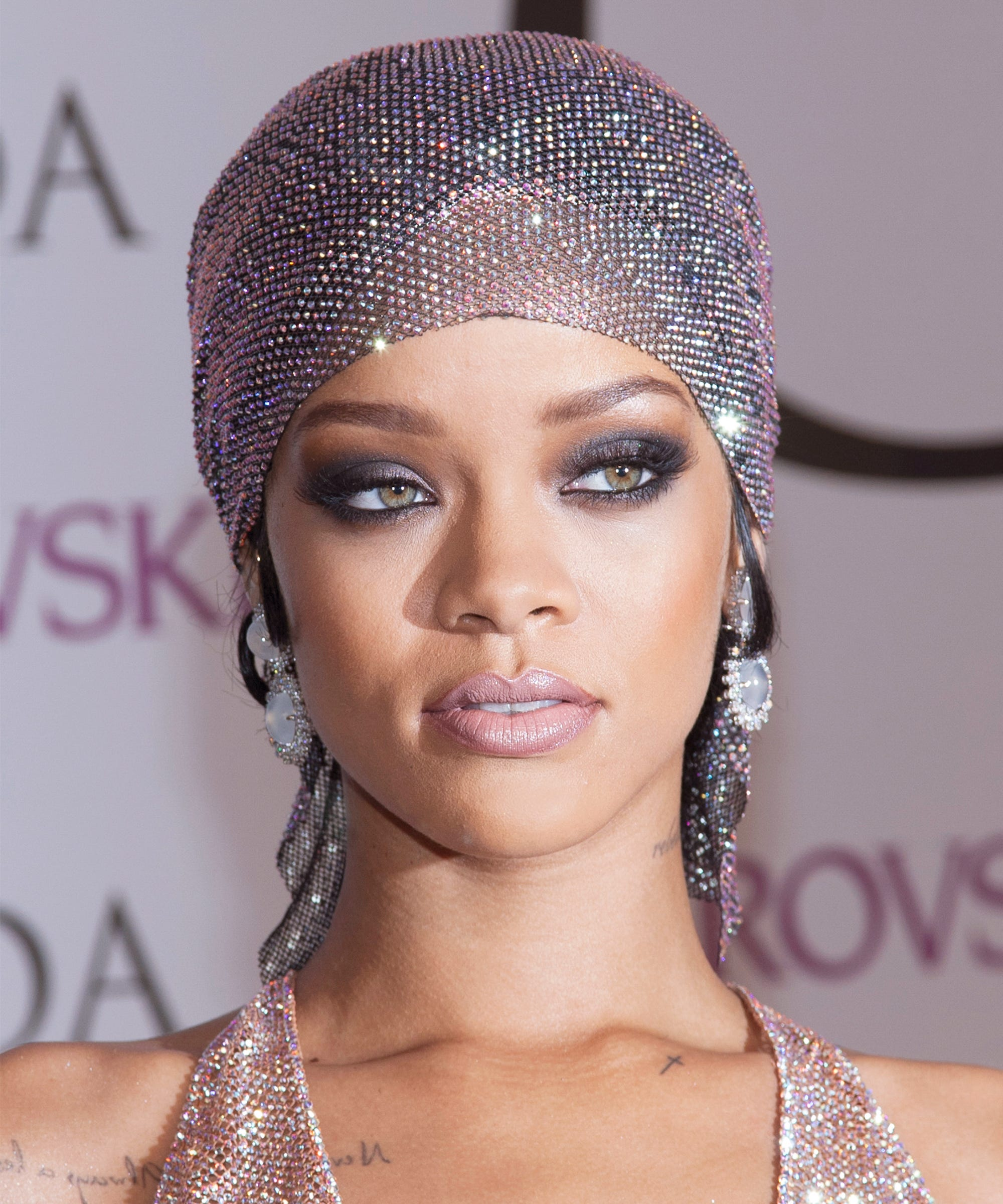 Rihanna S Best Long And Short Hairstyles Over The Years