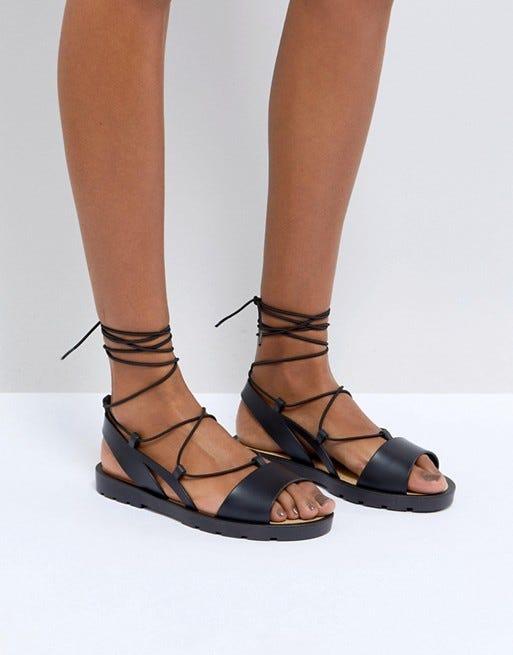9 wunderschöne Sandalen für schmale Füße   Schuhe   Sandalen