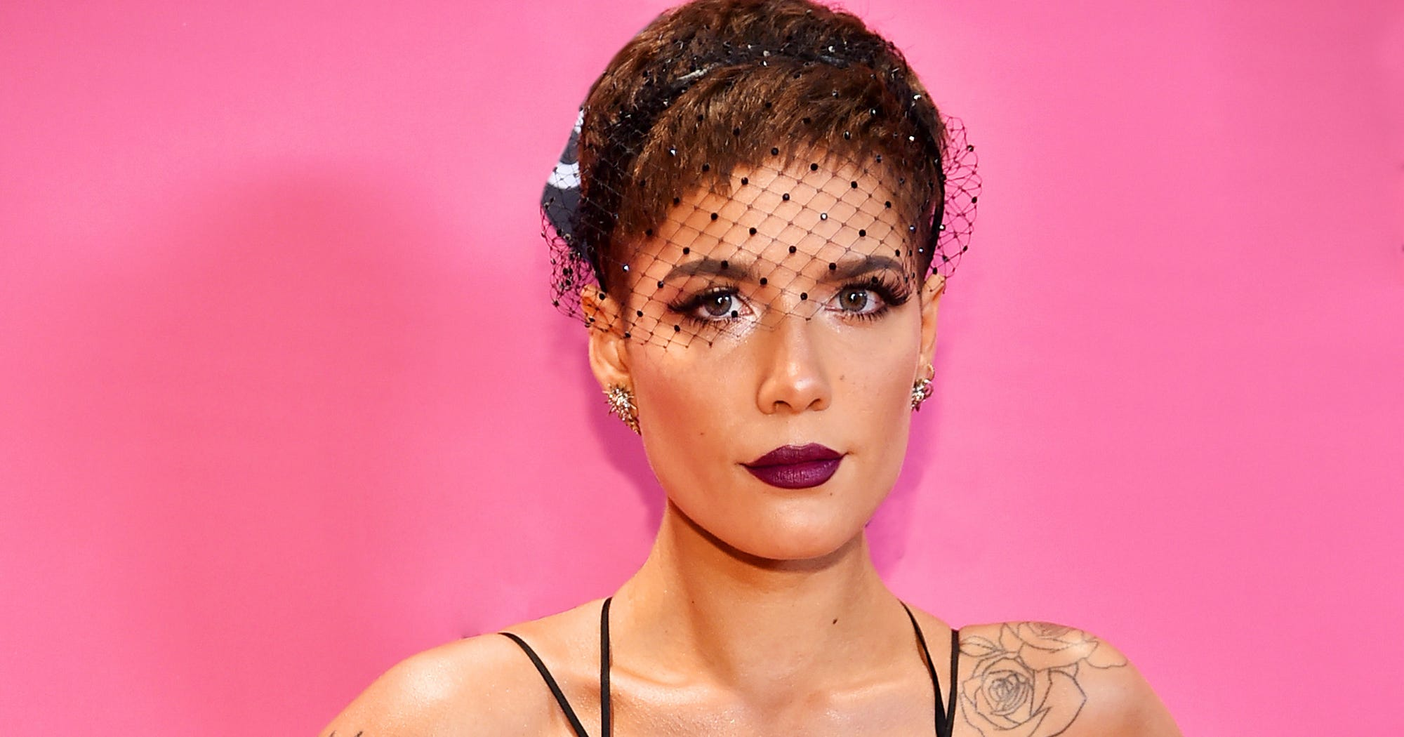 Halsey Eyebrows: Halsey Victorias Secret Fashion Show Feather Eyebrows