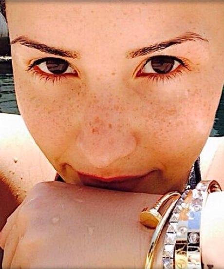 Demi Lovato No Makeup Selfie Instagram