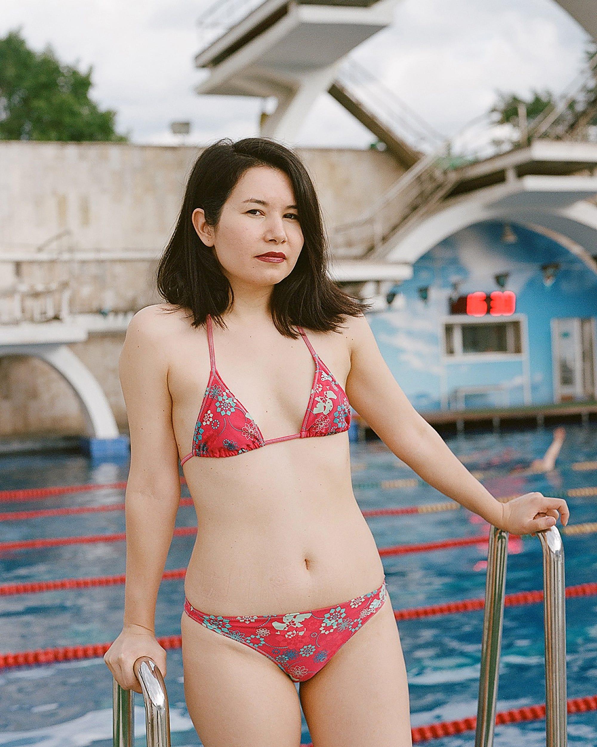 hassliche frau bikini