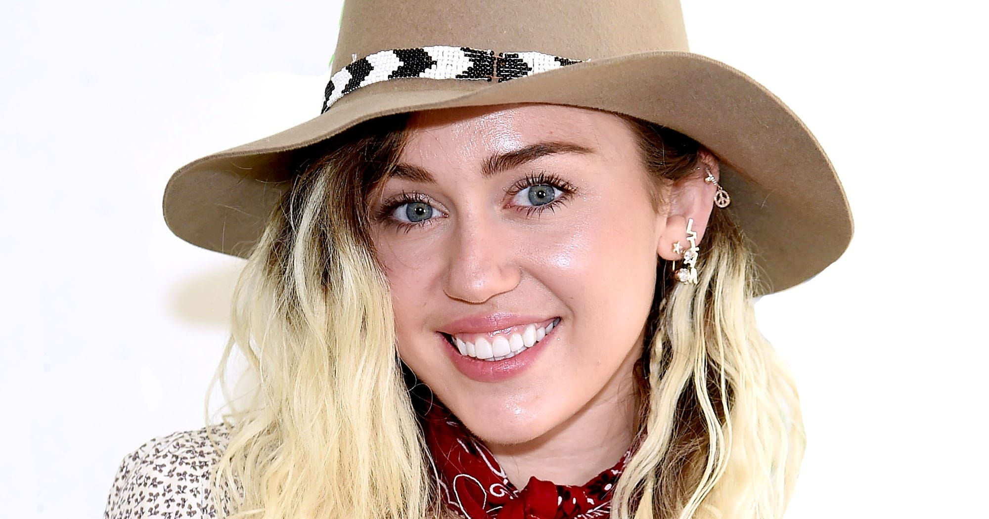 Miley Cyrus Regrets Wrecking Ball Song, New Style 2017-7556