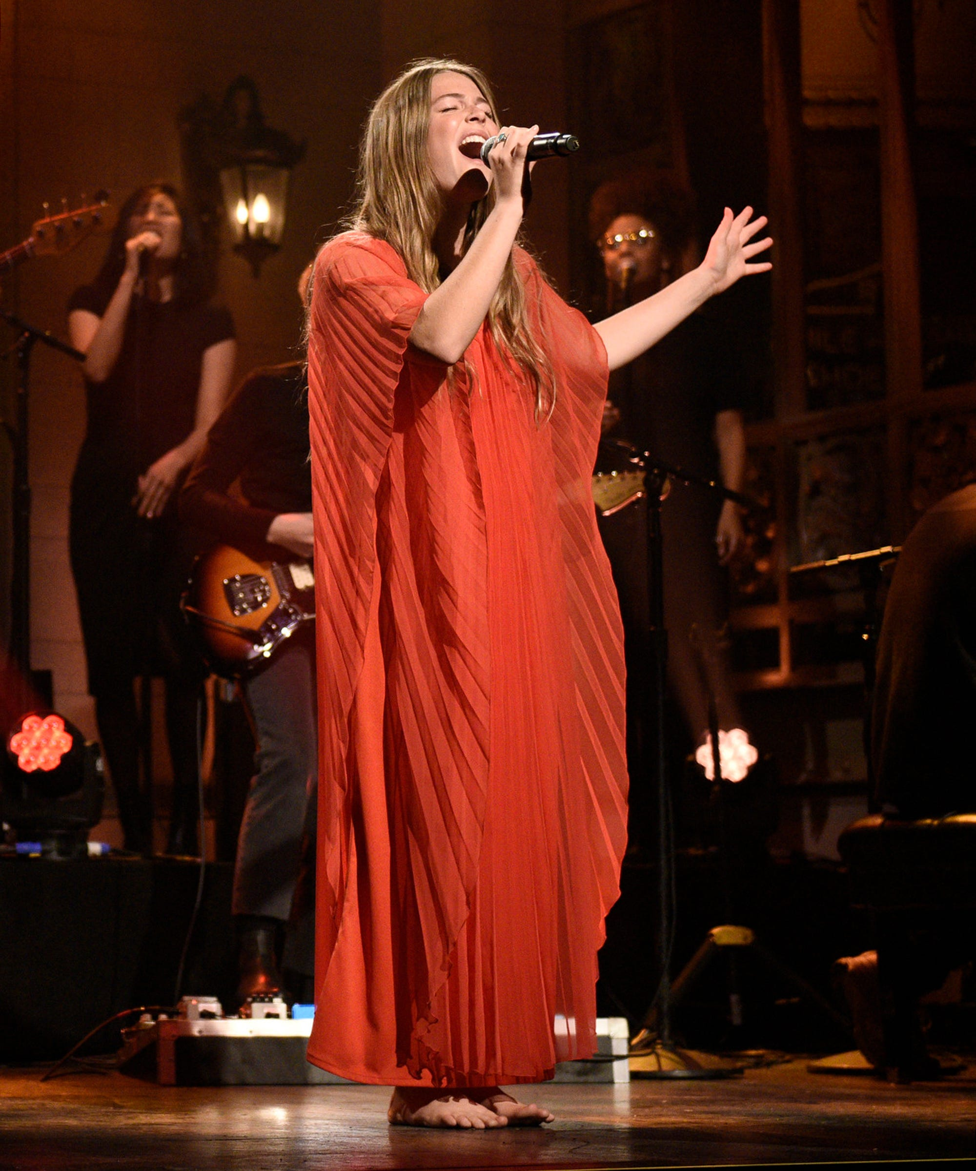 Maggie Rogers Makes Saturday Night Live Debut