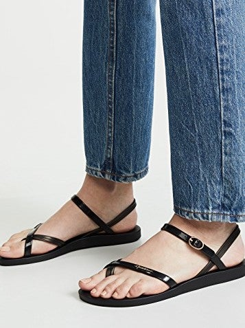 Ipanema Suzi Toe Ring Flip Flops