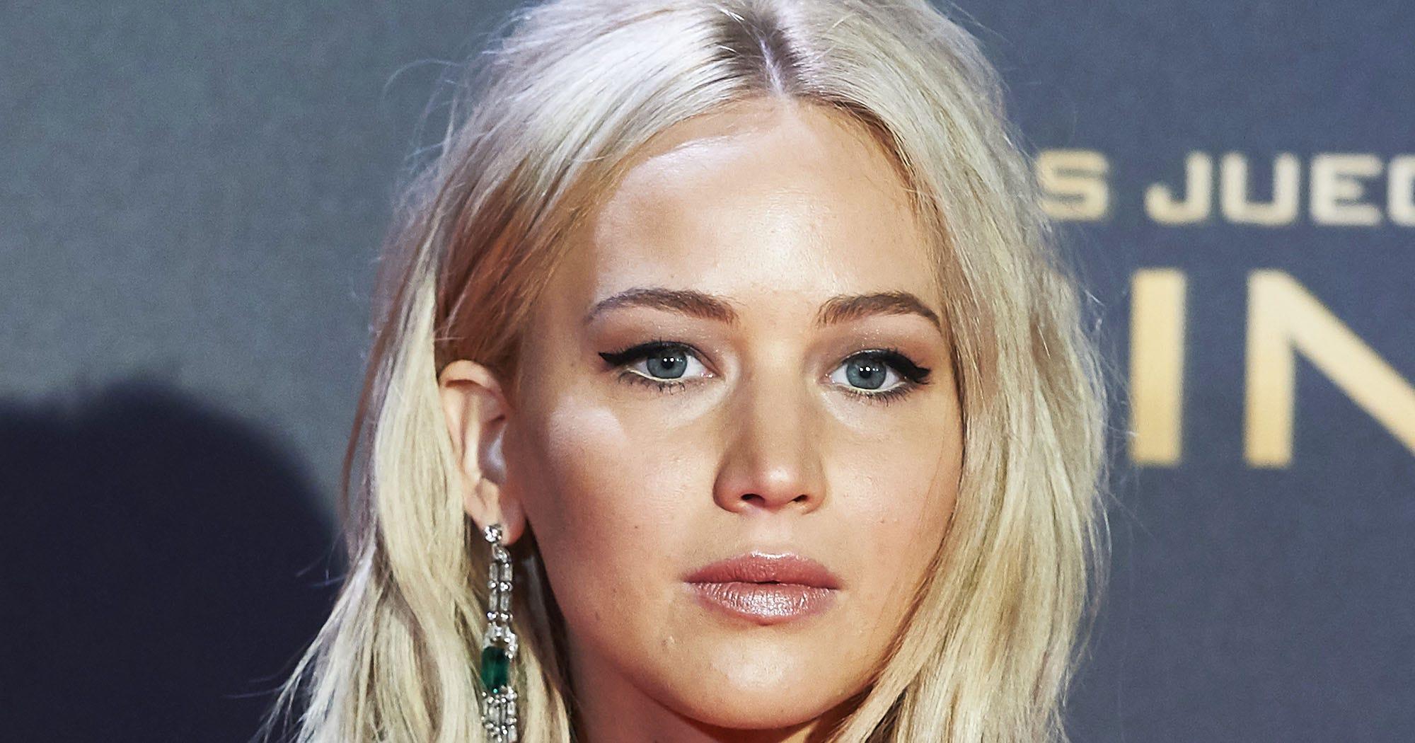Jennifer Lawrence Trips Madrid Premiere Hunger Games