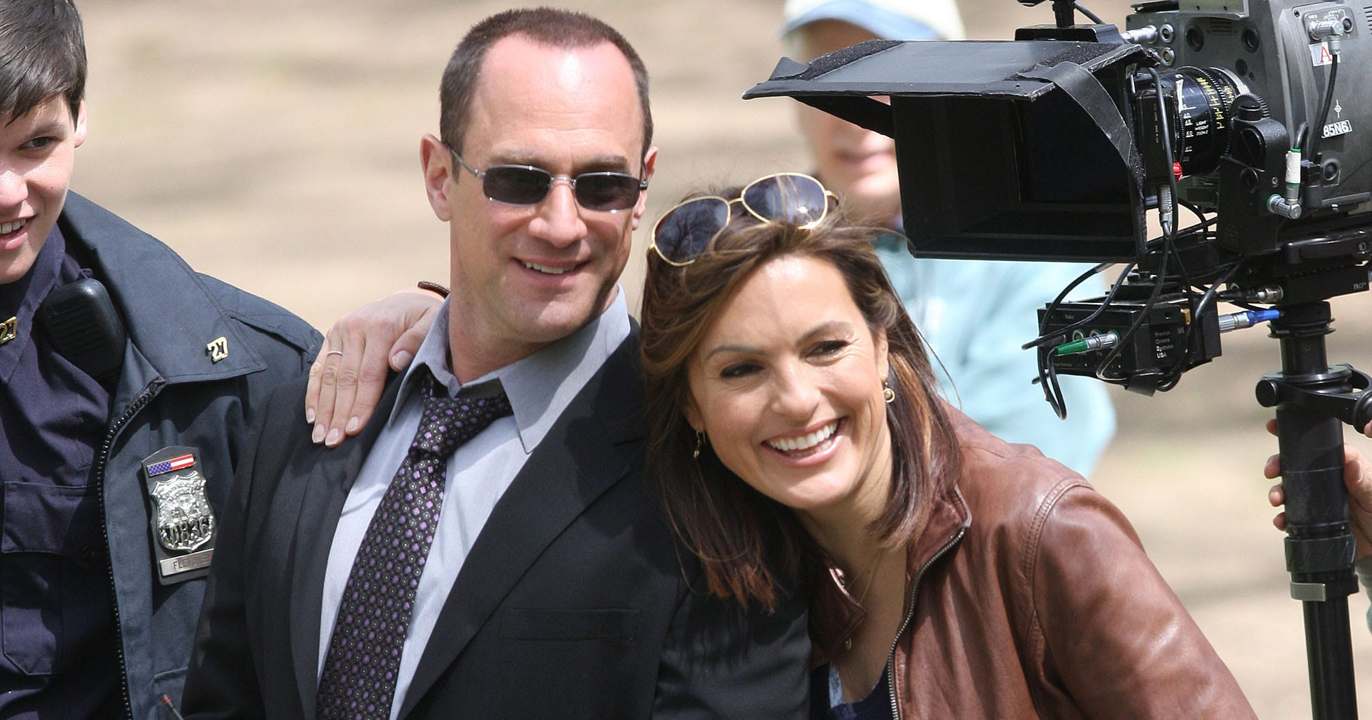 do stabler and benson hook up Undercover: after a woman was found raped in a garden, benson and benson and stabler show up at the cassidy has to hook up law and order svu benson.