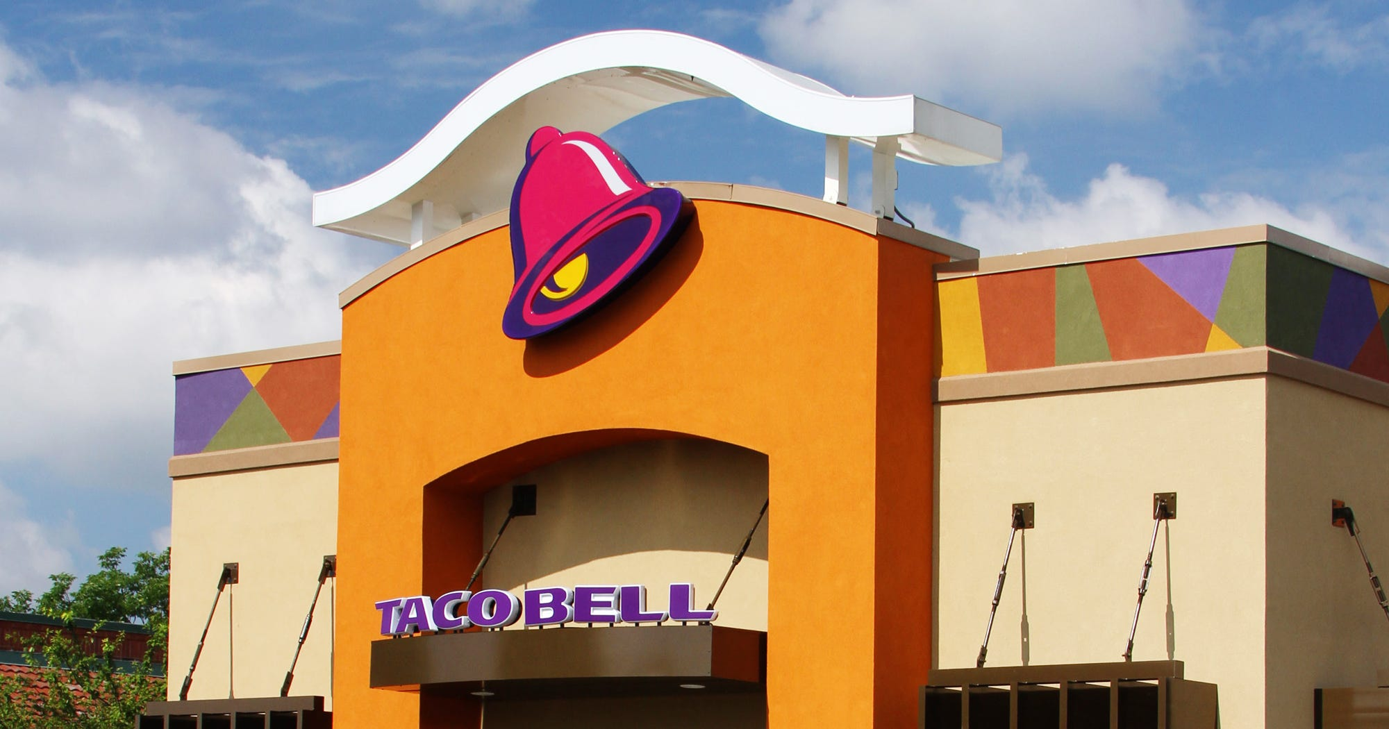 Taco Bell Naked Chicken Chalupa TV Commercial, Weve